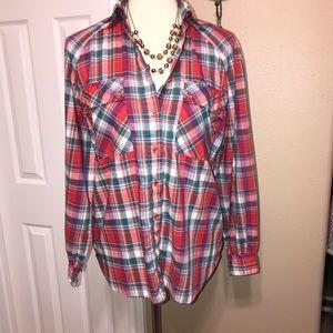Levi's size medium plaid button down shirt ♥️